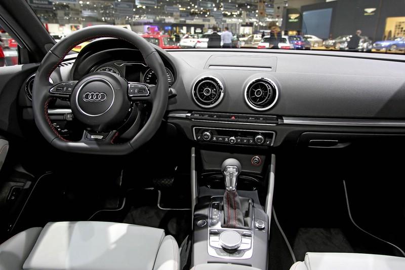 Galerie: Audi A3 Sportback E-Tron Interieur | Bilder und Fotos
