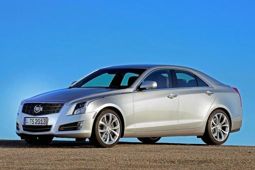 Cadillac ATS 2013 in Silber (Standaufnahme)