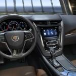 Der Innenraum des Cadillac CTS (2014, Cockpit, Mittelkonsole, Lenkrad)