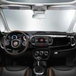 Das Armaturenbrett des Fiat 500L Trekking