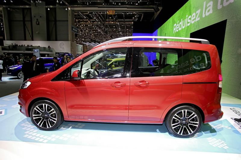 Ford Tourneo Courier auf der Genfer Automobilmesse 2013