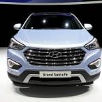Neuer Hyundai Grand Santa Fe in der Frontansicht