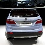Das Heck des neuen Hyundai Grand Santa Fe