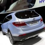 Der neue Hyundai Grand Santa Fe in der Heckansicht