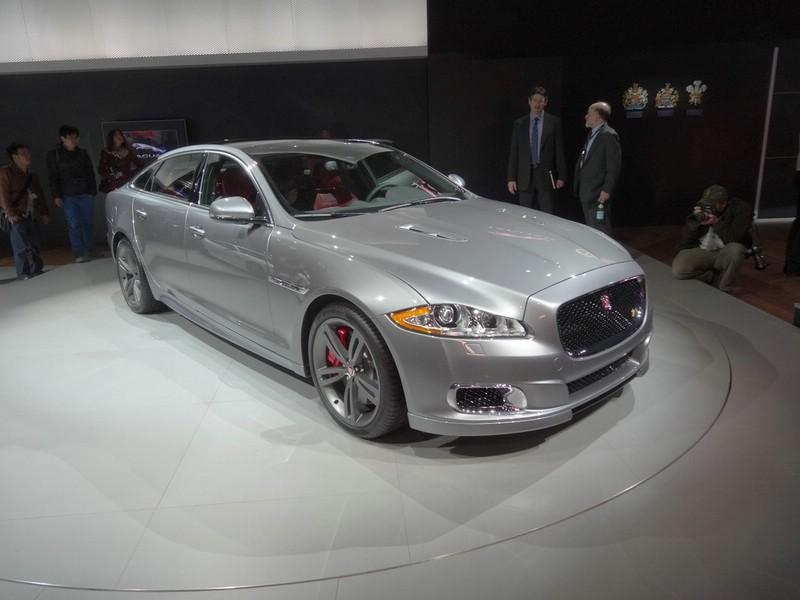 Jaguar XJR R-C auf New Yorker Automobilmesse 2013