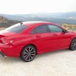 Roter Mercedes-Benz CLA 250 in der Seitenansicht 2013