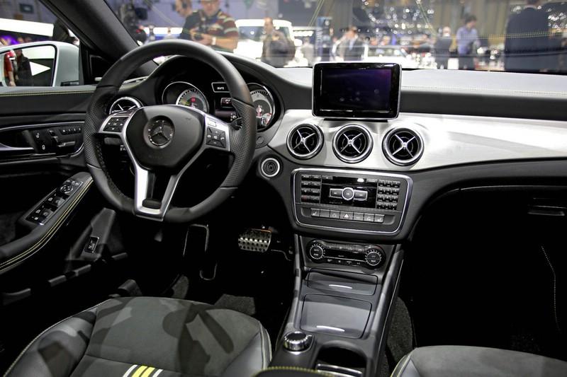 Innenraum Mercedes-Benz CLA auf dem Genfer Automobilsalon 2013