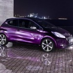 Peugeot 208 XY 2013 in der Farbe Purple Night Violett