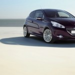 Peugeot 208 XY in der Lackfarbe Purple Night Violett