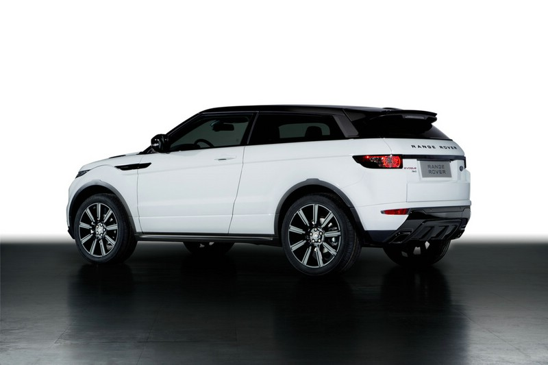 Range Rover Evoque Black Design in der Heckansicht