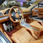 Das Cockpit des Spyker B6 Venator