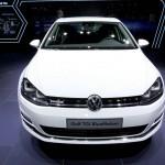Die Frontpartie des VW Golf TGI Blue Motion