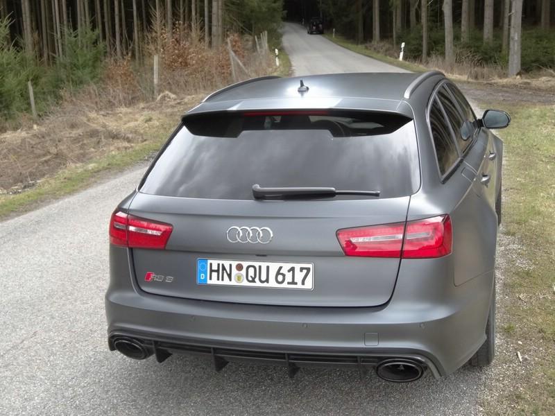Die Heckpartie eines 2013er Audi RS6 Avant