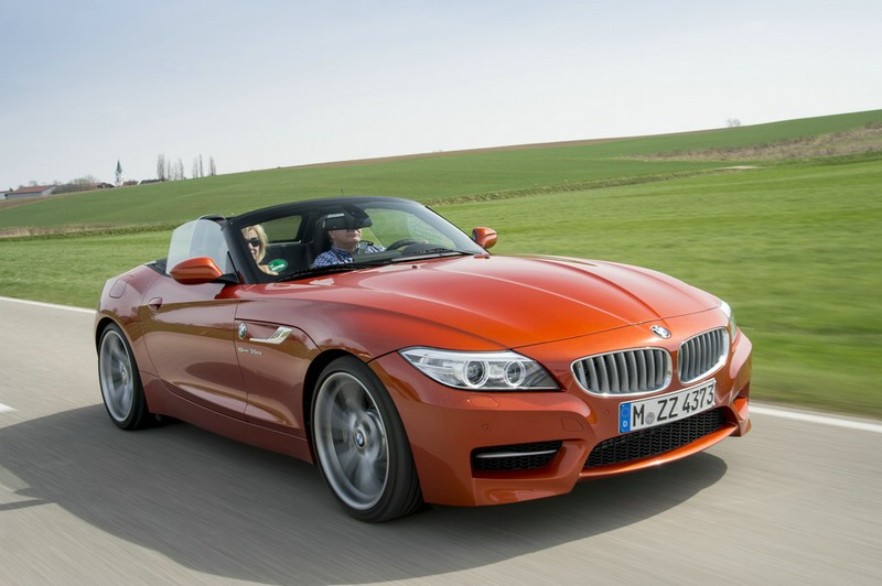 2013er BMW Z4 in Orange in der Frontansicht