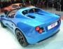 Blauer Detroit Electric SP 01 mit Elektroantrieb