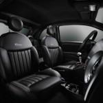 Die vorderen Sitze des Fiat 500S