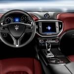 Das Cockpit des Maserati Ghibli (2013)