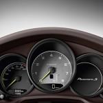 Der Tacho des Porsche Panamera S E-Hybrid