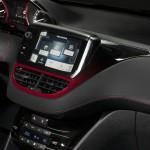 Die Mittelkonsole des Peugeot 208 GTI (Navigationssystem)