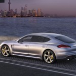 Die Seitenpartie des 2013er Porsche Panamera Turbo Executive