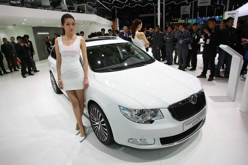 Skoda Superb Facelift auf der Automobilmesse in Shanghai 2013