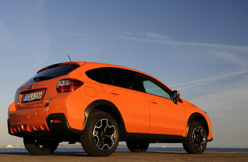 Subaru XV 2.0 D Exclusive in der Außenfarbe Orange Pearl