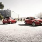 2013er Toyota Yaris Edition in der Front und Heckansicht