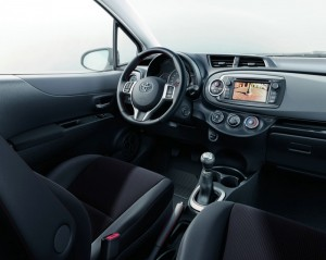 Der Innenraum des Toyota Yaris Edition