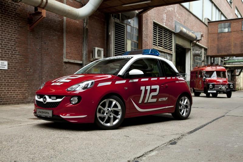 Opel Adam als Doktorwagen 2013