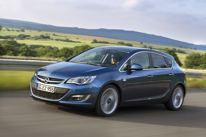 Opel Astra J 2012 Exterieur (Fahraufnahme)
