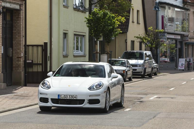 Porsche Panamera S E-Hybrid auf Testfahrt