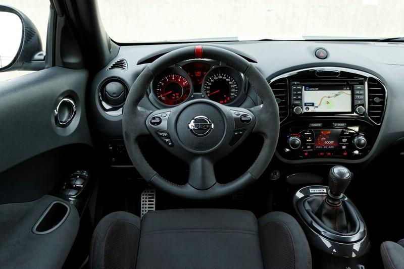 Galerie cockpit nissan juke nismo bilder und fotos for Nissan juke dauertest