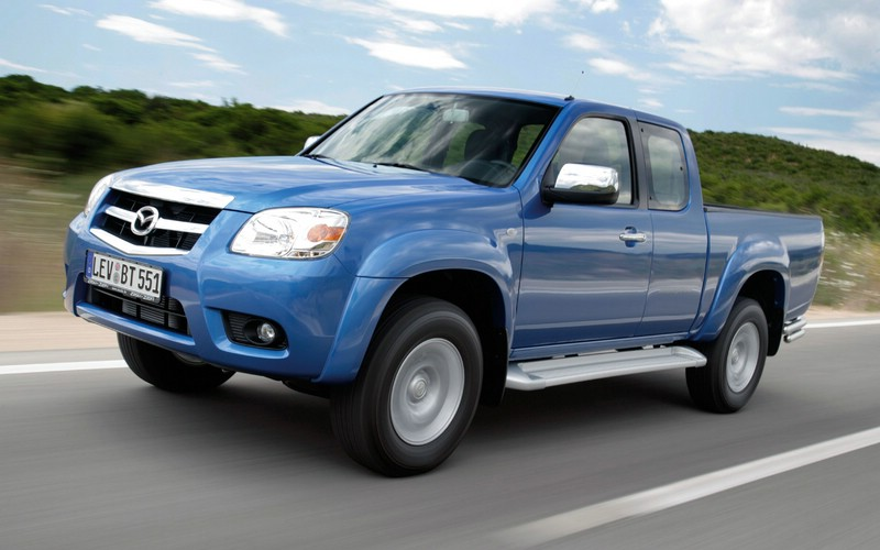 Facelift Mazda BT-50 in blau 2009-er Modell