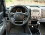 Das Cockpit des Mazda BT-50 mit 6-Fach CD-Wechsler