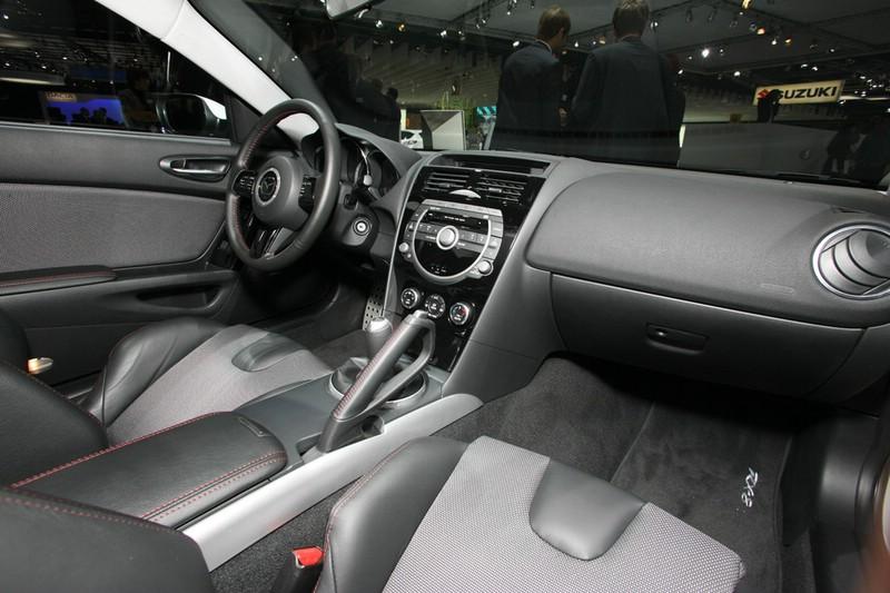 Galerie: Mazda RX8 Facelift Innenraum | Bilder und Fotos