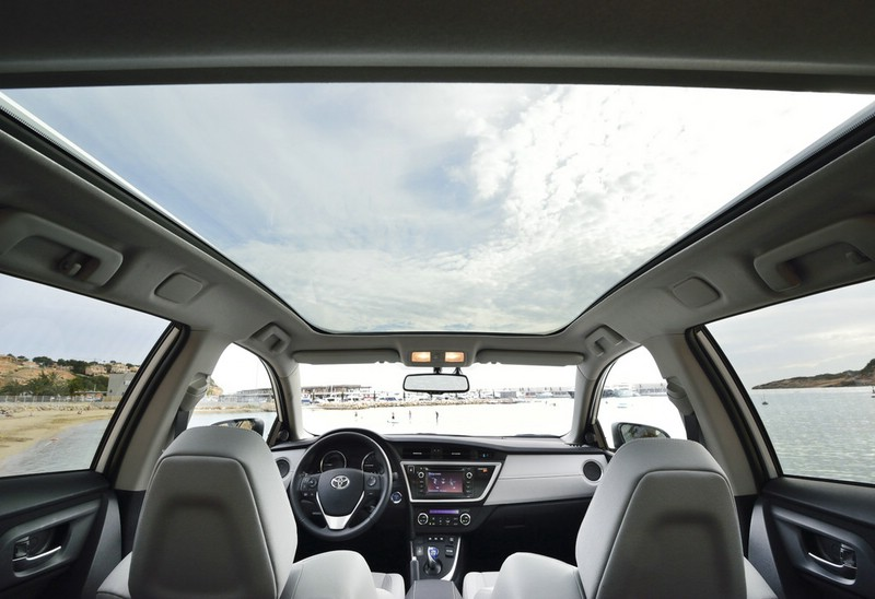 Galerie Panoramadach Toyota Auris Touring Sports Bilder