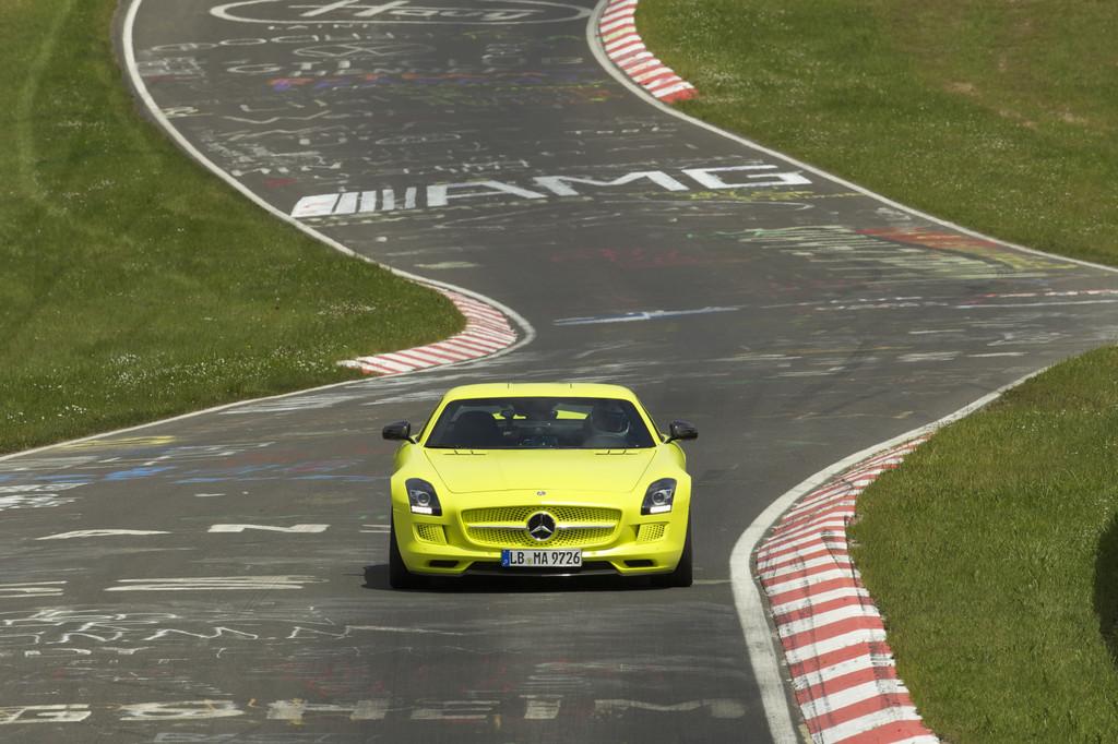 Elektroauto Mercedes SLS AMG Electric Drive auf der Nürburgring-Nordschleife