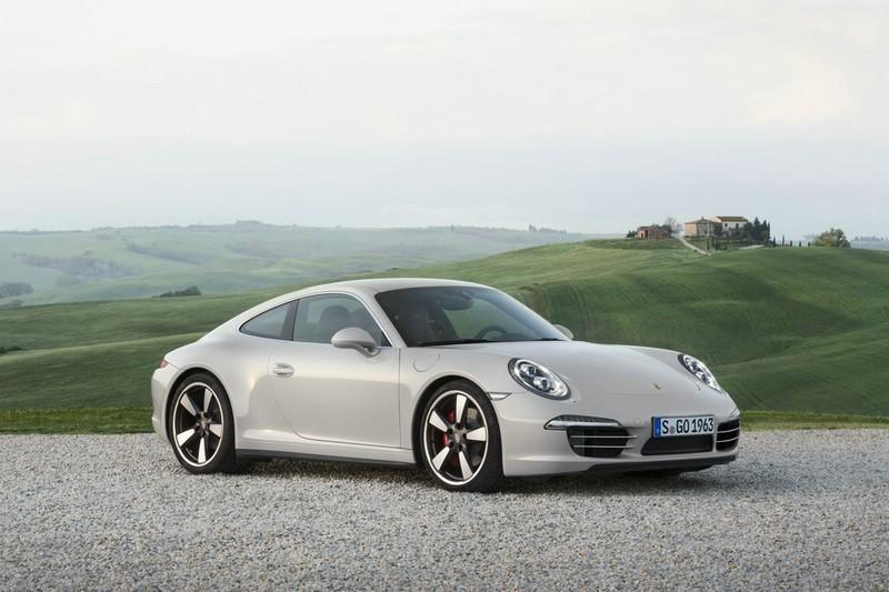 Die Front und Seitenpartie des Editionsmodell 50 Jahre Porsche 911