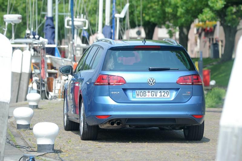 Die Heckpartie des Volkswagen Golf Variant TSI Blue Motion