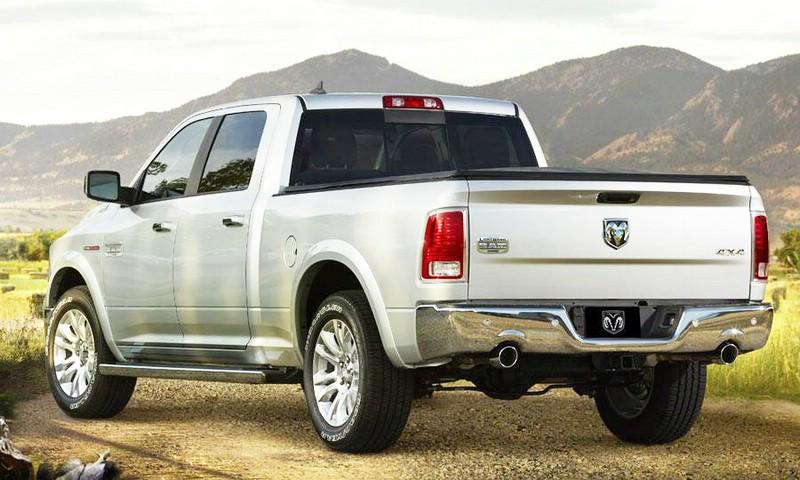 Dodge Ram 1500 in der Heckansicht