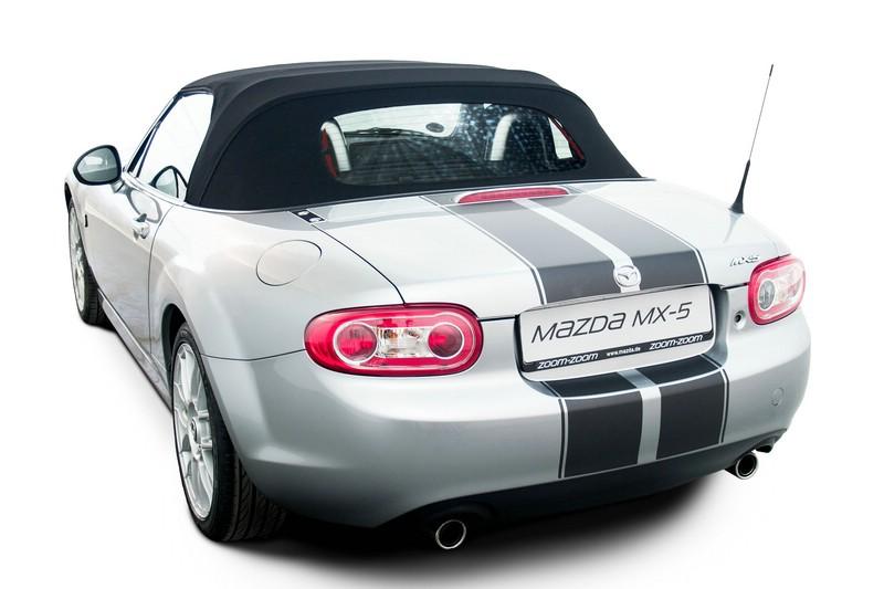 Mazda MX-5 mit schwarze Folie