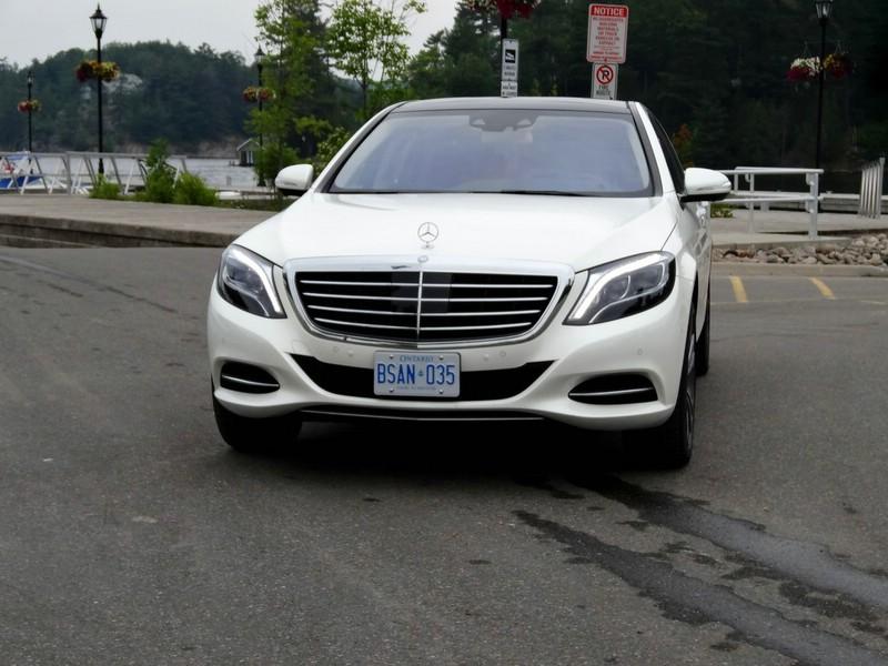 Die Frontpartie der Mercedes-Benz S-Klasse W222