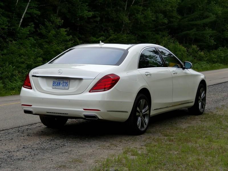 Mercedes-Benz S-Klasse W222 in der Heckansicht