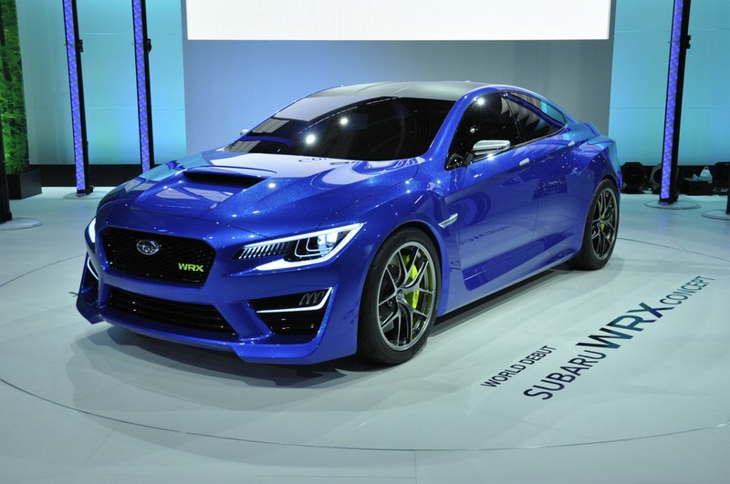 Blauer Subaru WRX in der Frontansicht