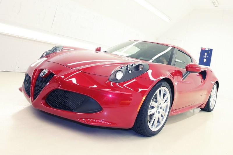 Alfa Romeo 4C in rot mit 240 PS