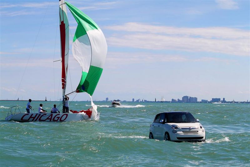 Der Fiat 500L als Boot