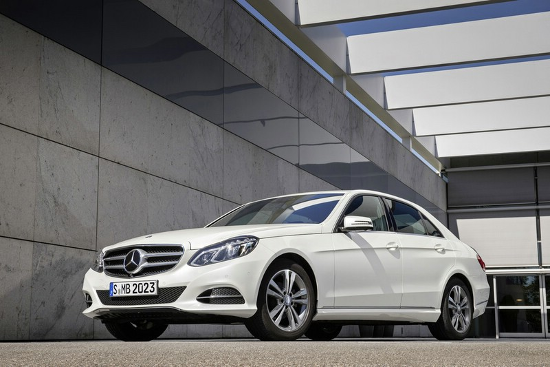 2013er Mercedes-Benz E 200 Natural Gas Drive in weiß