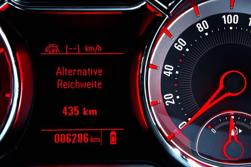 Die Reichweitenanzeige im neuen Opel Adam 1.4 LPG Ecoflex