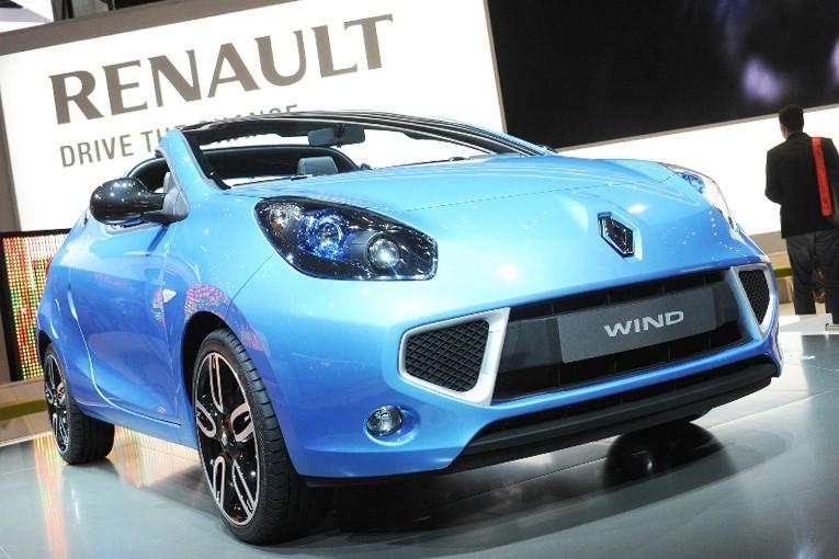 Renault Cabrio Wind in blau in der Frontansicht