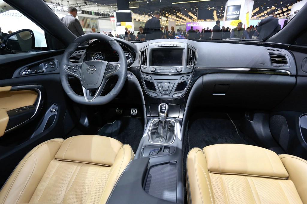 Galerie: Facelift Opel Insignia Interieur | Bilder und Fotos
